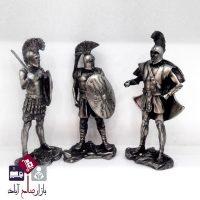 فروش عمده مجسمه پلی استر سرباز رومی